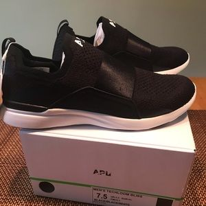 New APL Bliss Athletic Shoe Sneaker